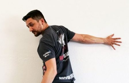 Shoulder Wall Hover